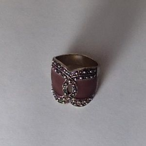 Jewelry - Vintage Brown/ Black with  stones chunky Ring